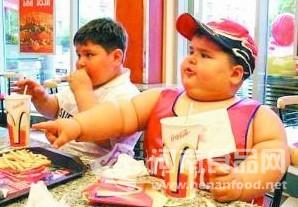 嗜吃麦当劳产品的重度肥胖者